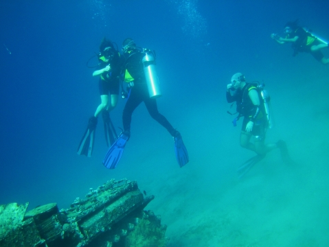 Alejandro Bernabe Navarro - Diving in the gulf of Aqaba